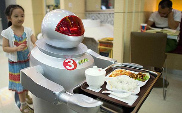 china-robot-restoran-2-610x380